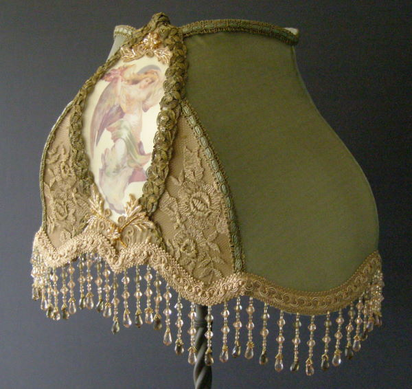 Top VICTORIAN TABLE LAMP SHADE WITH ANGEL WM66